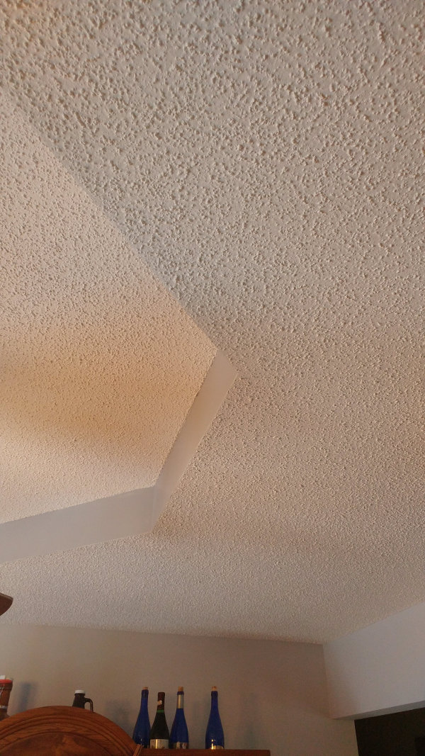 The Popcorn Ceilings Or Cottage Cheese Was Por For Many Years And Here S A Warning If Ceiling Lied Before 1979 It